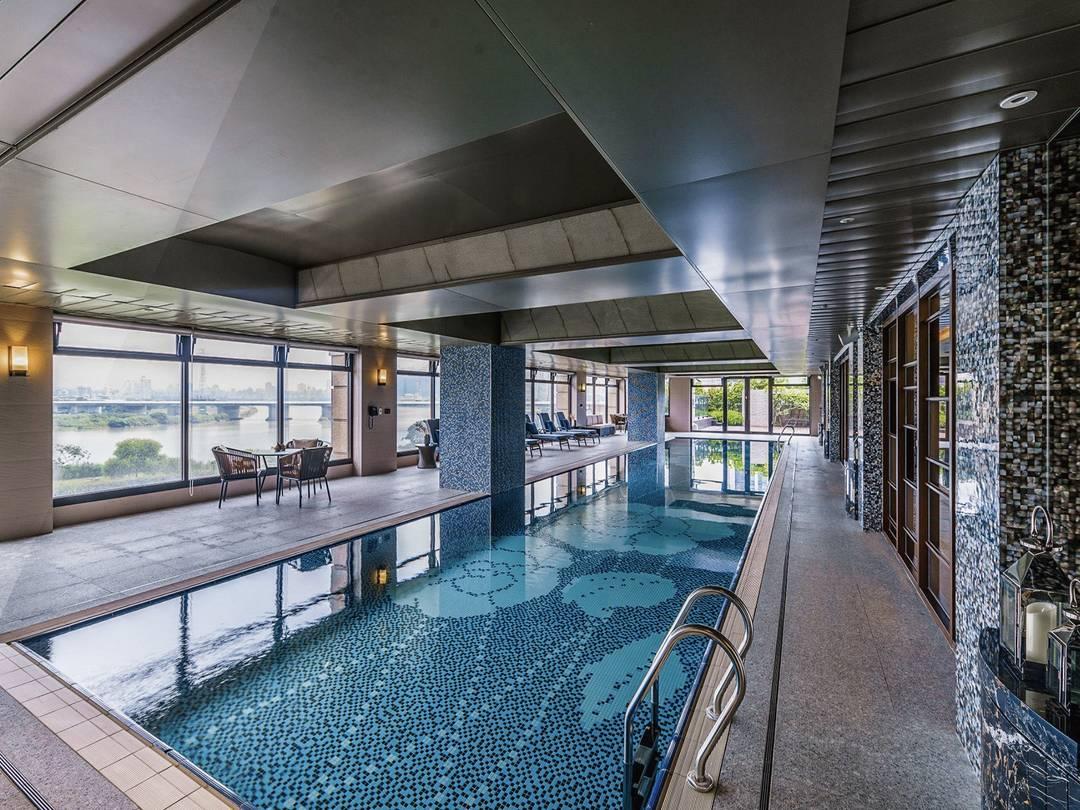 凡爾賽 泳池會館